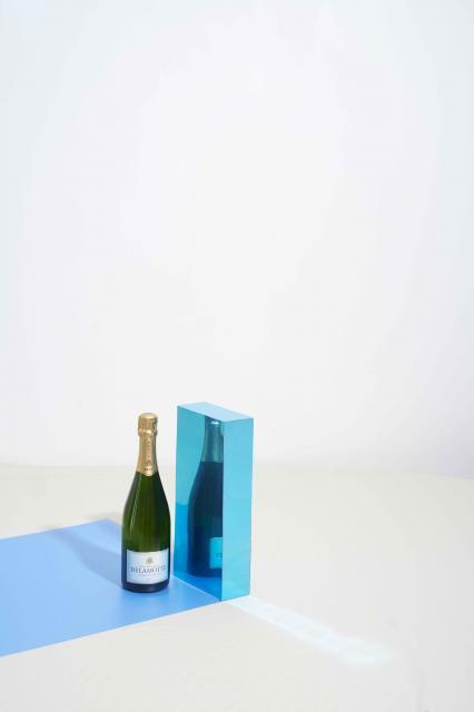 Delamotte Brut code blue vertical